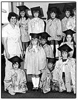 Soeur Jeaninne Cormier et ses élèves à Drummond (1976)