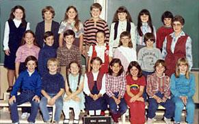 Soeur Délila Belliveau et ses élèves à Saint-Jean (1982)