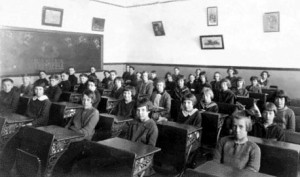Classe de 8e année à Saint-Joseph en 1923-1924.