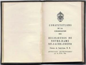 Constitutions de la congrégation des Religieuses de Notre-Dame-du-Sacré-Coeur approuvées le 16 juin 1936 .