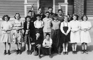 Classe de 8e année de soeur Adélia Aubé à l'école de Georgetown en 1945.