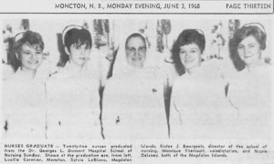 Soeur Jeanne Bourgeois et quelques infirmières diplômées.