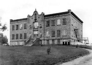 Couvent Notre-Dame-de-Lourdes de Saint-Anselme vers 1928.