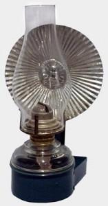 Lampe avec réflecteur en usage dans les couvents avant l'invention de l'électricité.