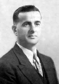 Alfred LeBlanc, maître-chantre, qui entonna l'Ave Maris Stella le 17 février 1924.