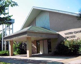Église Notre-Dame d'Acadie sur le campus de l'Université de Moncton.
