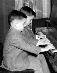Pierre et Paul Renaud, vers 1963.